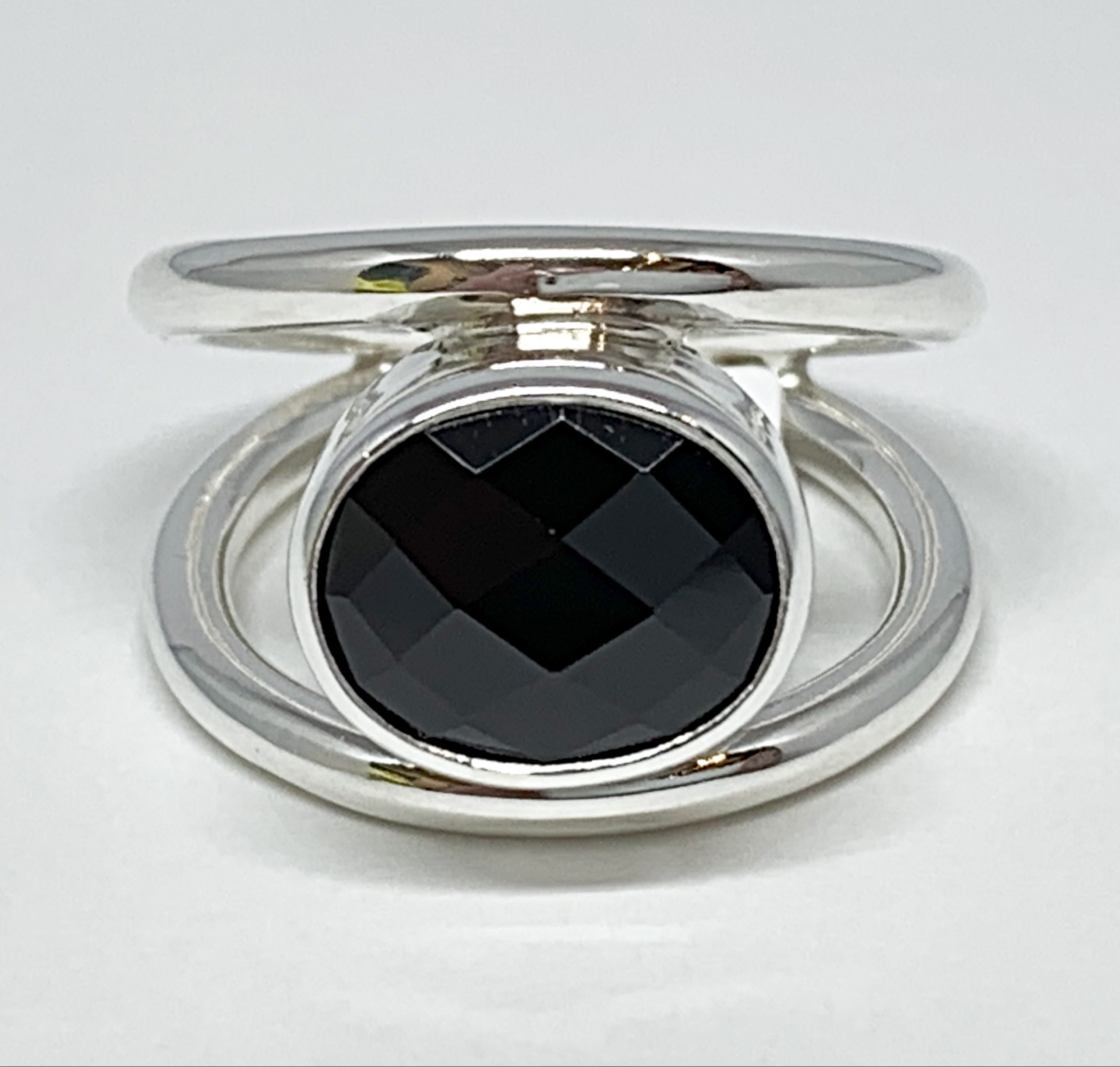 Sterling silver and 5.5 ct spinel ring by A&R Jewellery   Effusion Art Gallery + Cast Glass Studio, Invermere BC