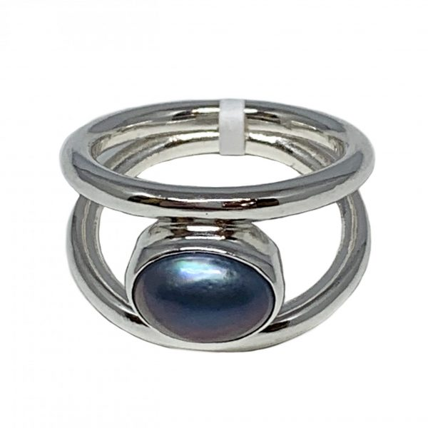 Sterling silver and 1.5 ct Tahitian pearl ring by A&R Jewellery   Effusion Art Gallery + Cast Glass Studio, Invermere BC