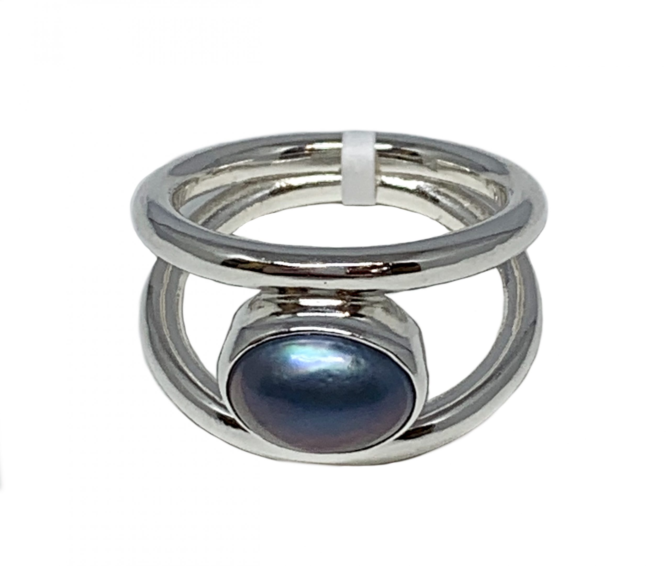 Sterling silver and 1.5 ct Tahitian pearl ring by A&R Jewellery | Effusion Art Gallery + Cast Glass Studio, Invermere BC